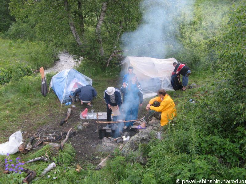 Лагерь с камня