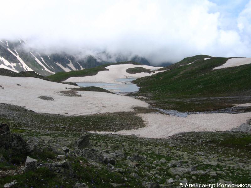 Спуск с перевала Айюлю