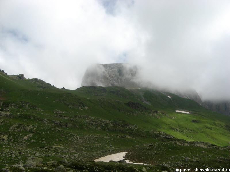 гора Седая со стороны долины Ацгары