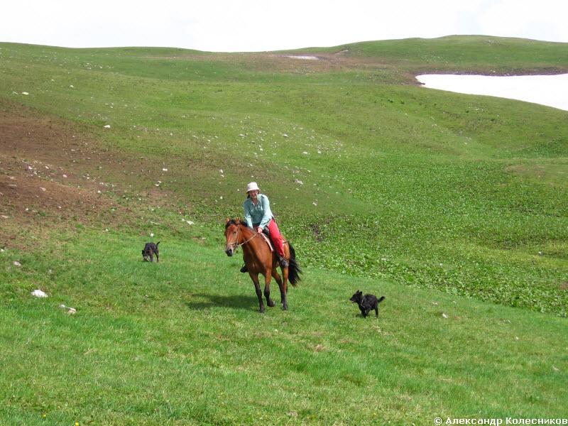 Женя на коне