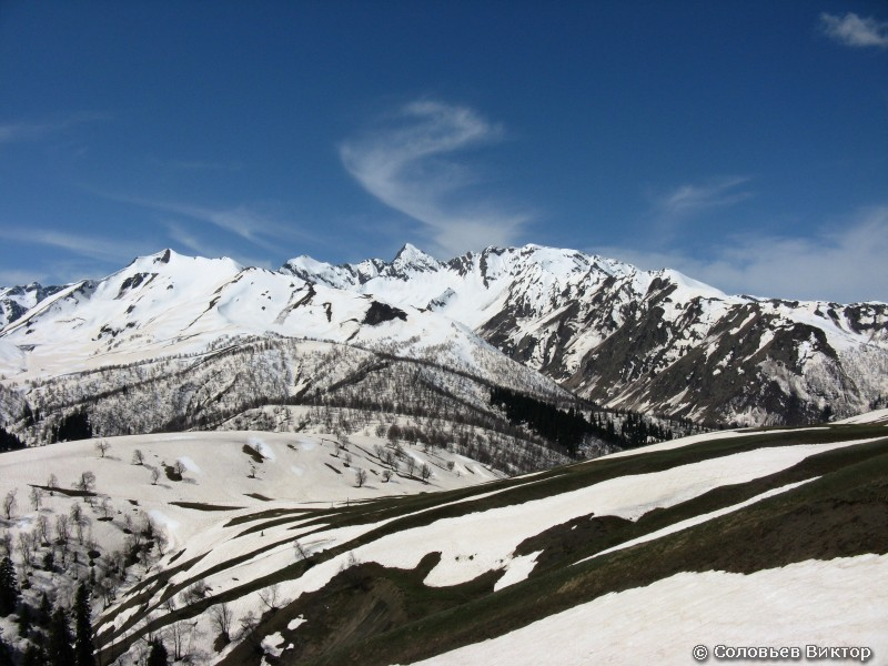 К перевалу Пхия